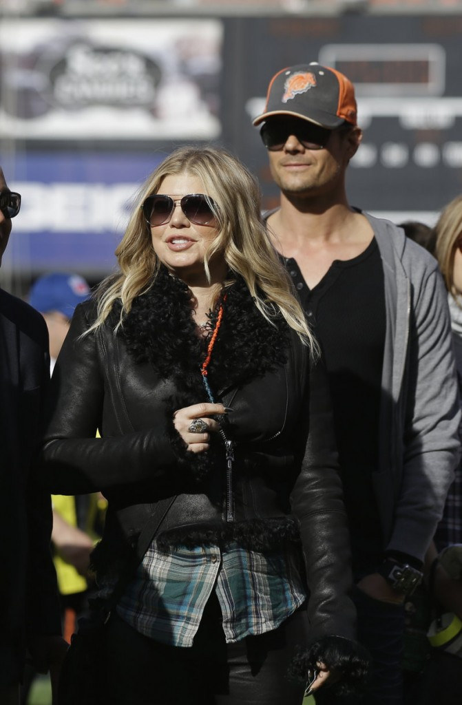 Singer Fergie and her husband, Josh Duhamel, tweeted news of her pregnancy.