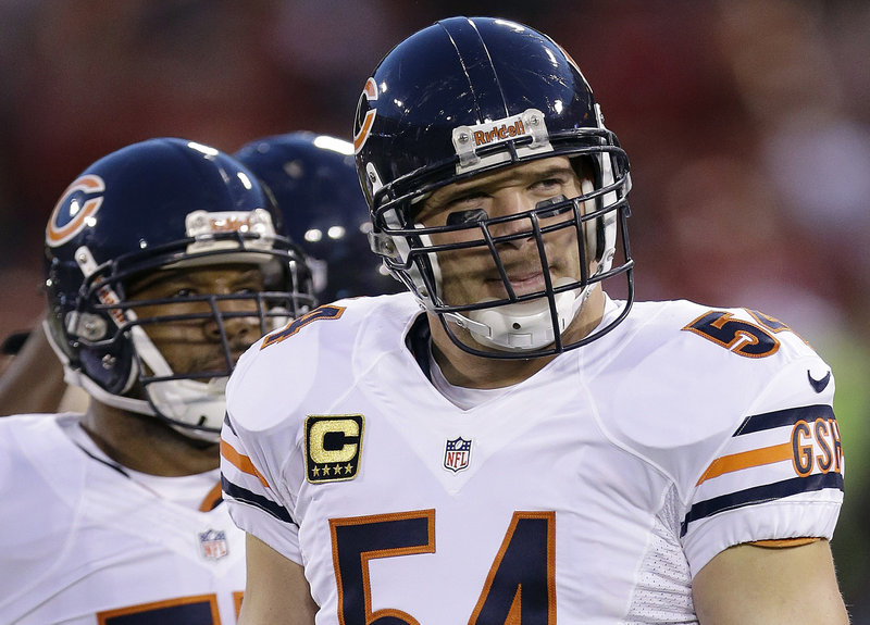 Brian Urlacher, who made the Pro Bowl eight times as a linebacker for the Chicago Bears, is leaving the team after failing to reach a contract agreement.