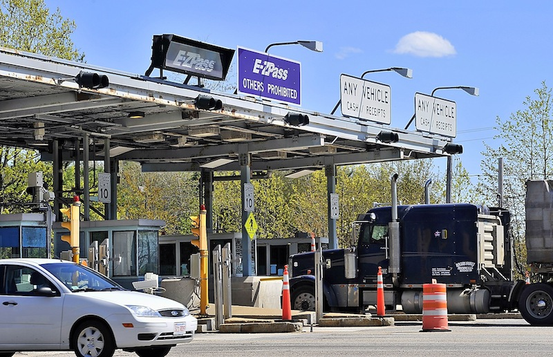 The Maine Turnpike Authority's directors voted unanimously Thursday to keep the current E-ZPass volume-based discount program indefinitely.