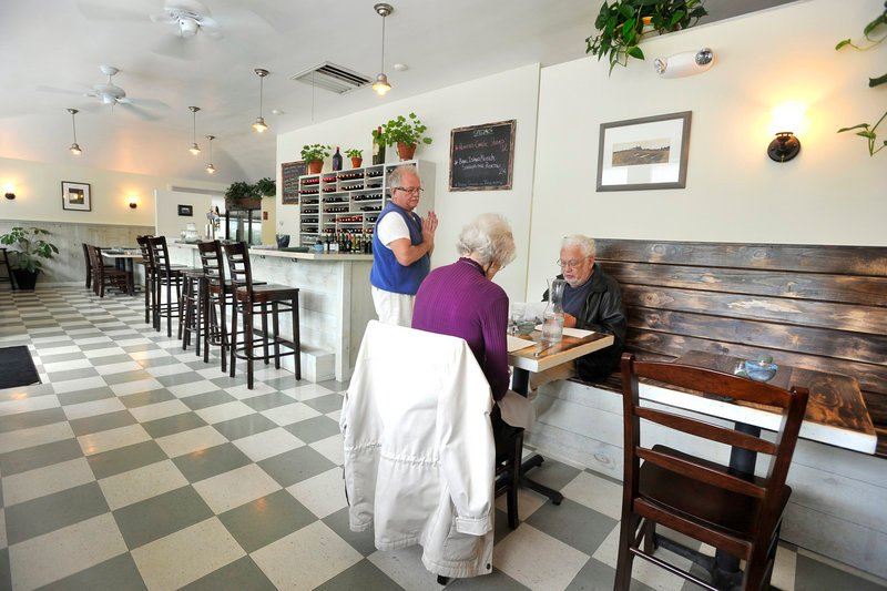 The atmosphere at Enio's Eatery on Cottage Road in South Portland is clean, light and unfussy. The seating is kinder to couples than to large groups, but the delicious and uncomplicated food will please anyone.