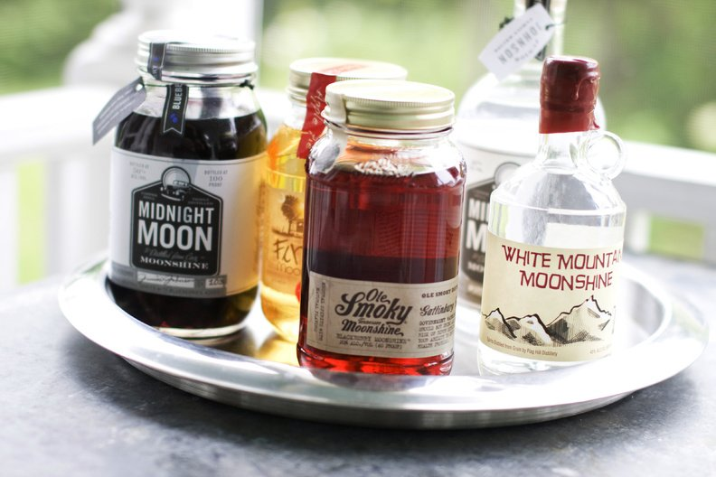 Midnight Moon Blueberry, FireFly Moonshine Apple Pie Flavor, Ole Smoky Tennessee Moonshine Blackberry, Midnight Moon Moonshine, and White Mountain Moonshine are some recent legal moonshine products.