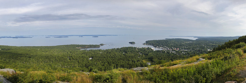 A late-afternoon panoramic view of Penobscot Bay from the top of Mount Battie may be what draws campers to Camden Hills, but so does the easy proximity to a trendy little coastal town with enough attractions to satisfy any taste.
