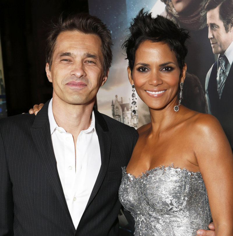 Halle Berry was wed Saturday to French actor Olivier Martinez.