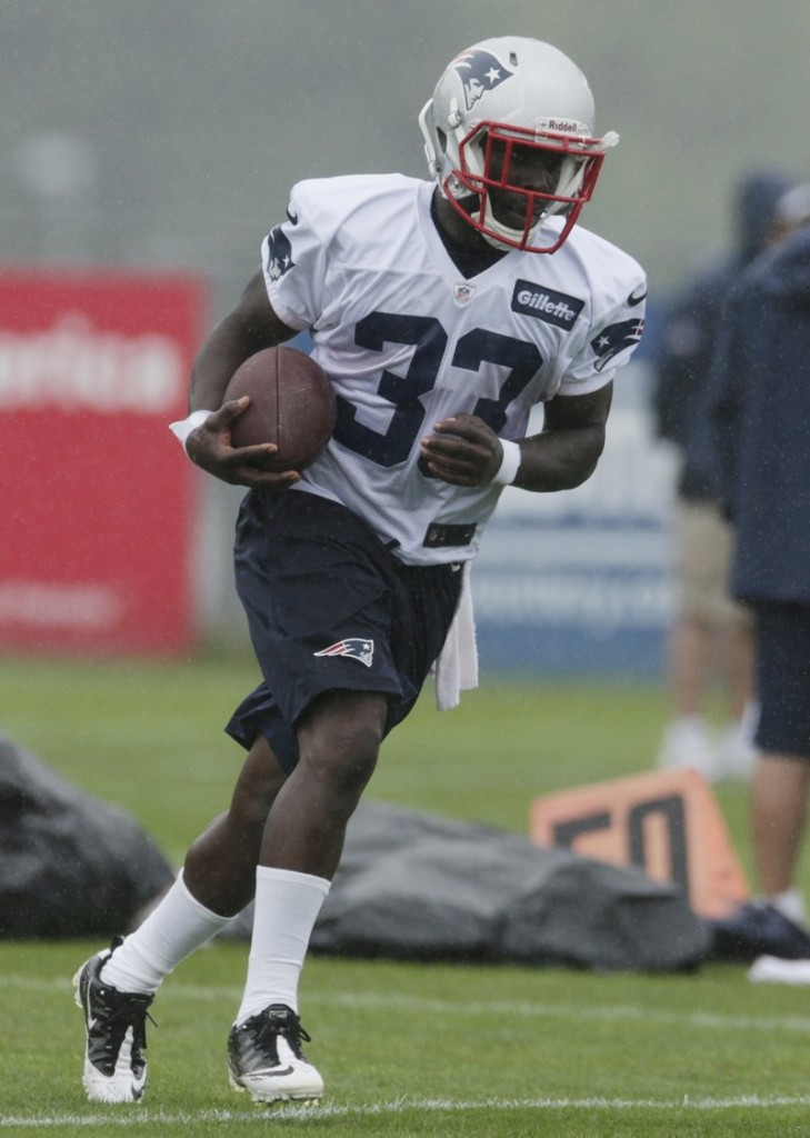 Veteran Leon Washington, a Patriots newcomer, practices on Friday. Washington is an accomplished return specialist, but it's unclear if he'll have a role on offense in New England.