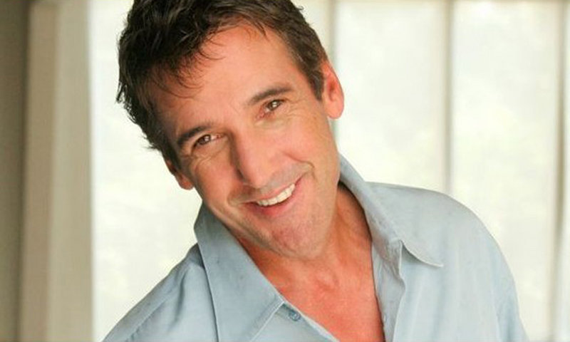 """David """"Kidd"""" Kraddick, a syndicated radio host heard in more than 100 cities, died Saturday at a golf tournament."""