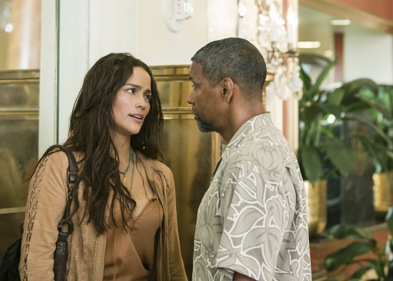 Paula Patton, right, plays a DEA agent attracted to Washington.