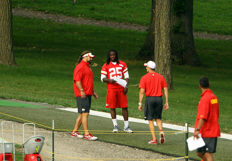 When running back Jamaal Charles of the Kansas City Chiefs turned his right foot in practice Monday, Twitter was ready. The Chiefs feared the worst. Or they were relieved. He would be back soon. Or maybe not. Welcome to the new info age.