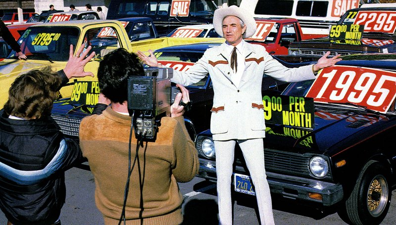 "Cal Worthington tapes a commercial in Los Angeles in 1985. His ads, stunts and appearances on ""The Tonight Show"" made him familiar to TV viewers across America."