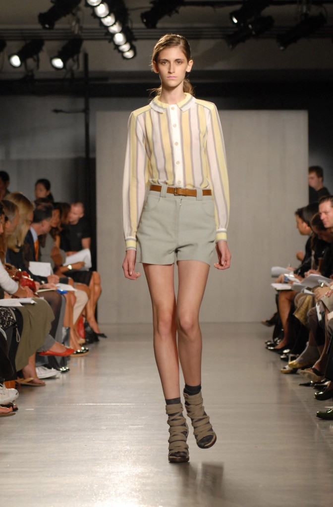 A thin model walks the runway at the Proenza Schouler Spring 2007 fashion show at Milk Studios in New York. Some exceptionally thin models have a so-called thigh gap, which is upheld as a beauty achievement on countless websites, blogs and other social media.