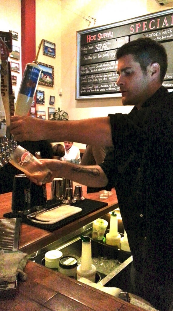 Hot Suppa's staff and bartender serve up drinks and dishes quickly. They'll refill your water glass before you notice, too.