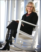 "Best-selling author Anita Shreve will talk about her new book, ""Stella Bain,"" at Longfellow Books in Portland on Saturday."