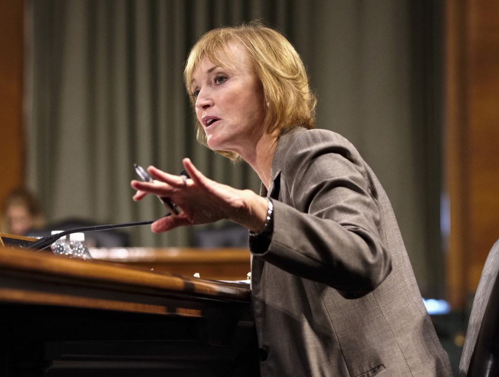 Medicare chief Marilyn Tavenner, testifying in Washington on Tuesday, said the website for health-care enrollment has improved and will have 800,000 enrolled by late November.