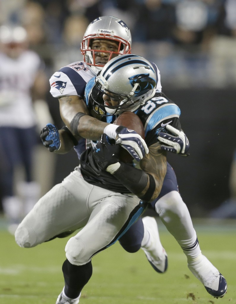 Steve Smith of the Panthers had a battle all night with Patriots defender Aqib Talib all game. Smith wins this battle for a first-half catch.1