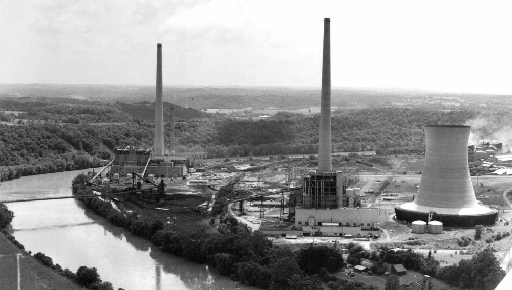 American Electric Power's Muskingum River Plant in Beverly, Ohio, is shown in this 1989 photo. The plant is one named by the Environmental Protection Agency in a lawsuit against AEP and two other Ohio energy companies, alleging they cause pollution that affects New England.
