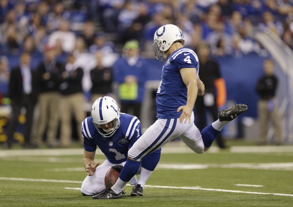 Indianapolis Colts' Adam Vinatieri kicks a 23-yard field goal in the first quarter Sunday against the Jacksonville Jaguars on Sunday. Vinatieri later kicked a 26-year field goal to surpass 2,000 career points.