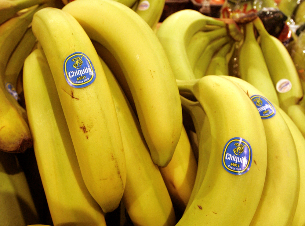 Chiquita of the United States and Fyffes of Ireland say they have agreed to merge to create the world's biggest banana supplier.