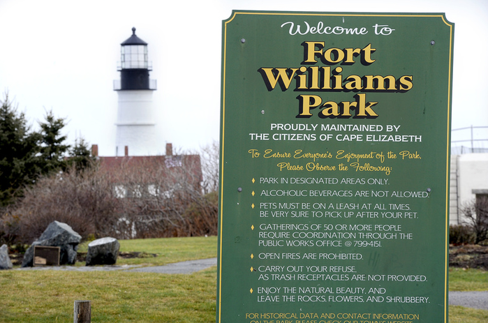 Anyone caught smoking cigarettes, cigars, pipes or e-cigarettes or using chewing tobacco in Fort Williams Park would be subject to a $250 fine if a proposal is approved.