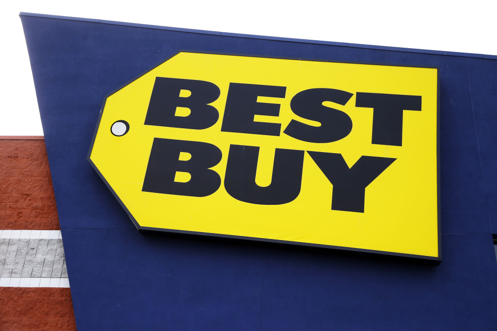 Best Buy and Sears on Thursday both blamed their weak quarterly results on the fact that shoppers aren't shelling out for consumer electronics.