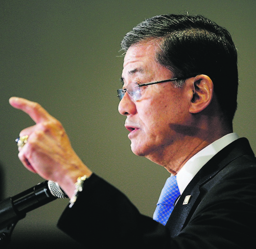 Eric Shinseki resigned as secretary of the Veterans Affairs Department on Friday. The Associated Press