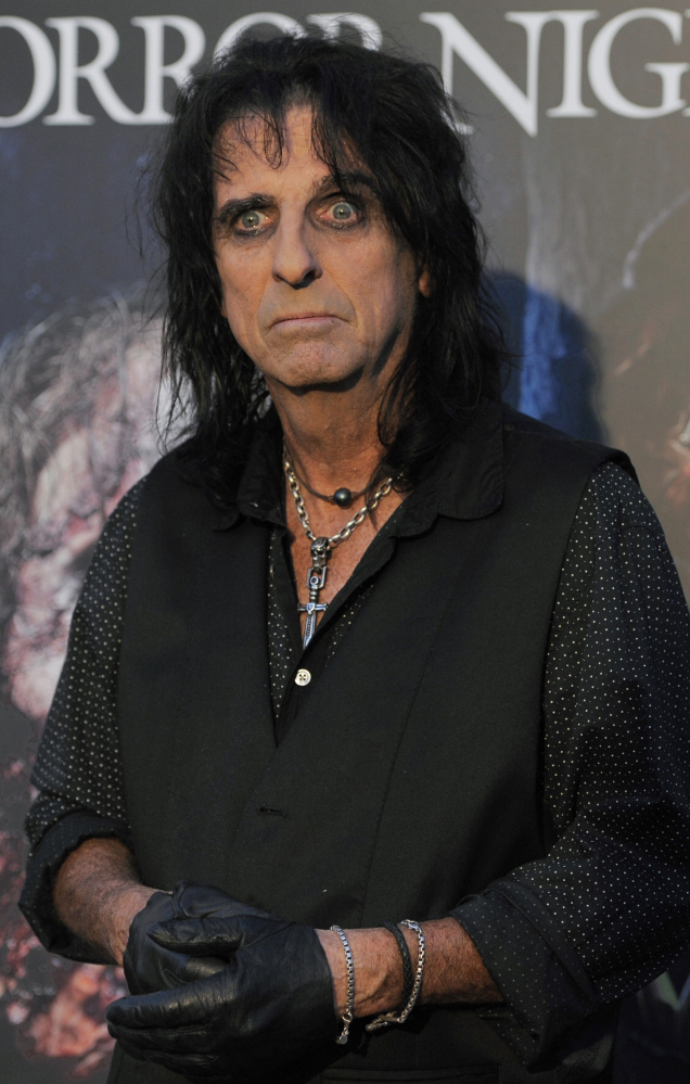 Alice Cooper, currently on his Raise the Dead tour, says today'€™s rock music is