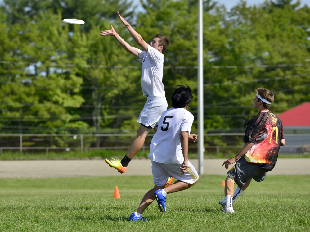 CUMBERLAND, ME - JUNE 1: Fryeburg and Cape Elizabeth's men's teams at the High School Ultimate Frisbee Championships at Cumberland Fairgrounds on Sunday, June 1, 2014. (Photo by Logan Werlinger/Staff Photographer)