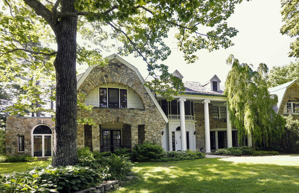 Facing a financial crisis, the University of Southern Maine wants to sell the Stone House in Freeport to save on annual operating costs and $8.5 million in needed updates.