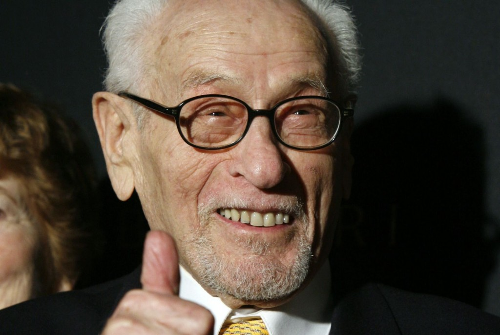 Eli Wallach arrives at the National Board of Review of Motion Pictures awards gala in this 2007 photo.