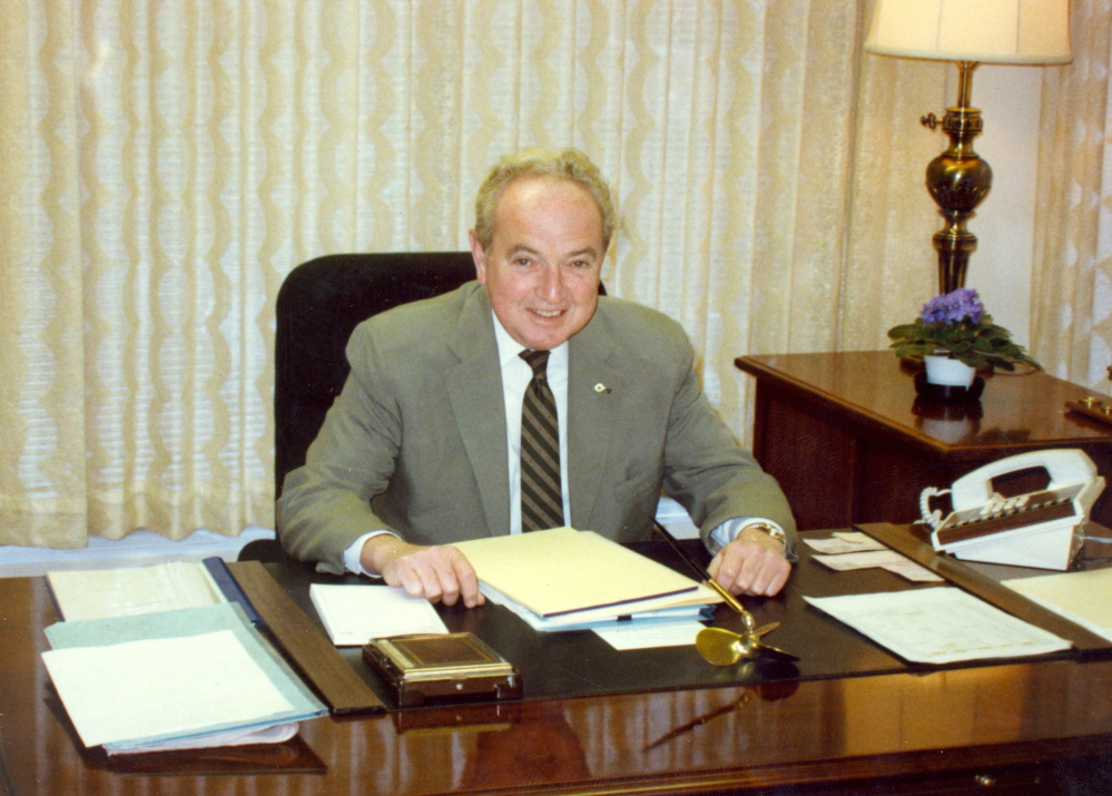 Scott Hutchinson served as the president and CEO of Key Bank of Southern Maine before retiring in 1989.