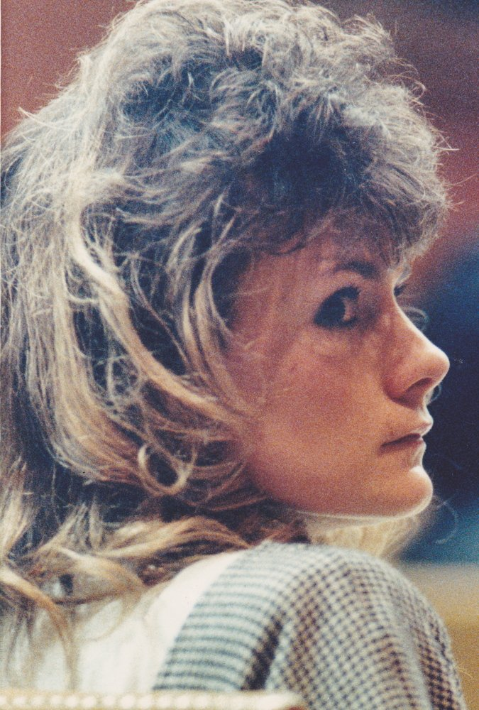 Pamela Smart looks over her shoulder during her March 1991 trial in Rockingham County Superior Court in Brentwood, N.H.