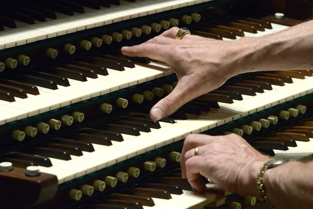 Christopher Hyde learned, to his chagrin, that the technique for playing the organ (as demonstrated on the Kotzschmar by Ray Cornils) is very different from that for piano.