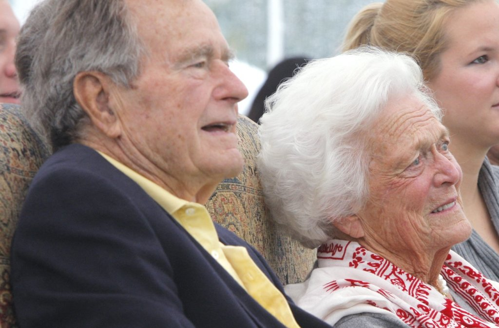 George H.W. Bush, shown with his wife, Barbara Bush, has received the John F. Kennedy Profile in Courage Award.