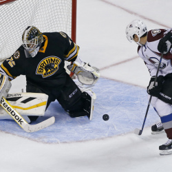 Colorado Avalanche's Daniel Briere, right, moves toward a rebound off of Boston Bruins goalie Niklas Svedberg (72), of Sweden, which he shoots in for the winning goal with seconds left in the third period of an NHL hockey game in Boston,