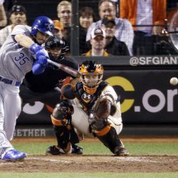 Kansas City's Eric Hosmer hits an RBI single in the sixth inning of Game 3 of the World Series Friday night in San Francisco. The Royals beat the Giants, 3-2, to take the lead in the series.