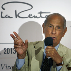 International fashion designer Oscar de la Renta died at his home in Connecticut on Monday at the age of 82.
