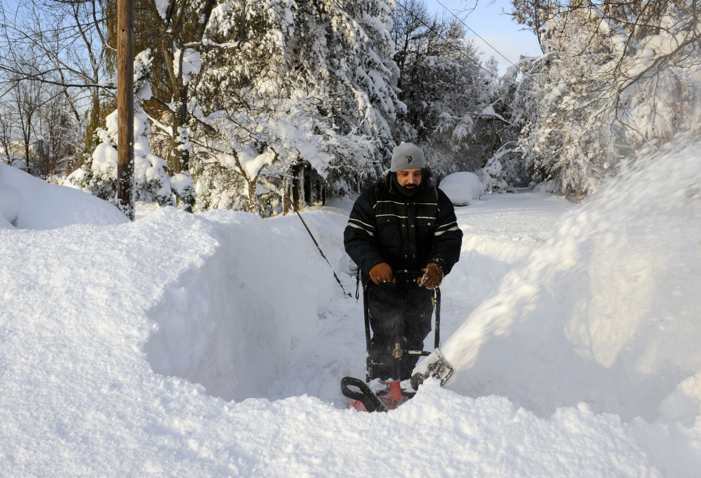 buried in snow  buffalo area expected to get 2 to 3 more