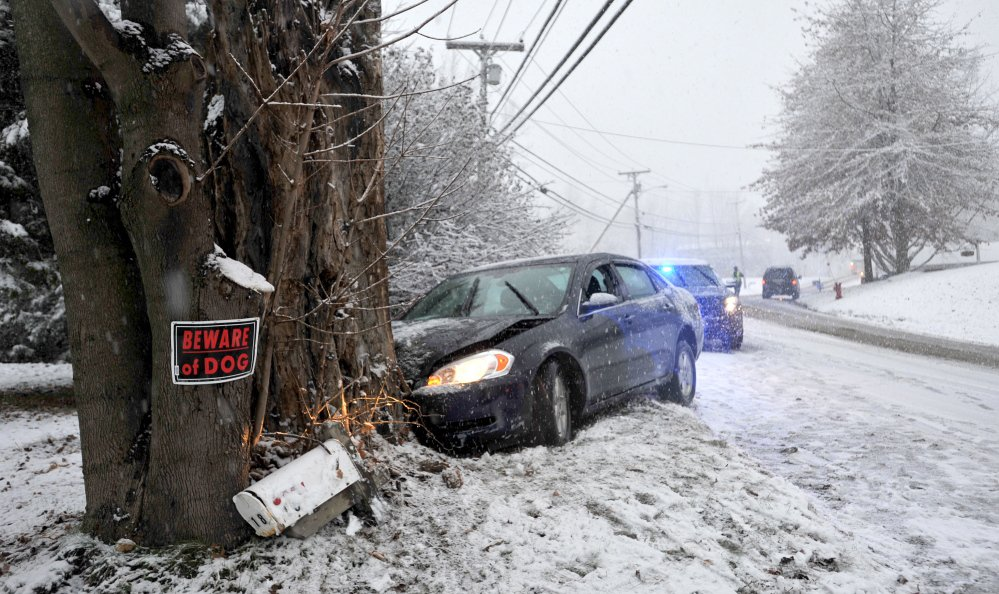 Pre-holiday snowstorm knocks out power to more than 80,000 ...