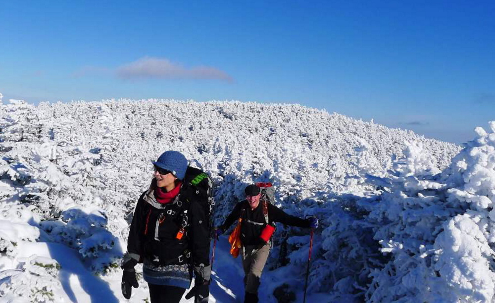 The White Mountains offer the North and South Kinsman trails for hardy winter hikers, and when the skies are blue the scenery is quite heavenly.