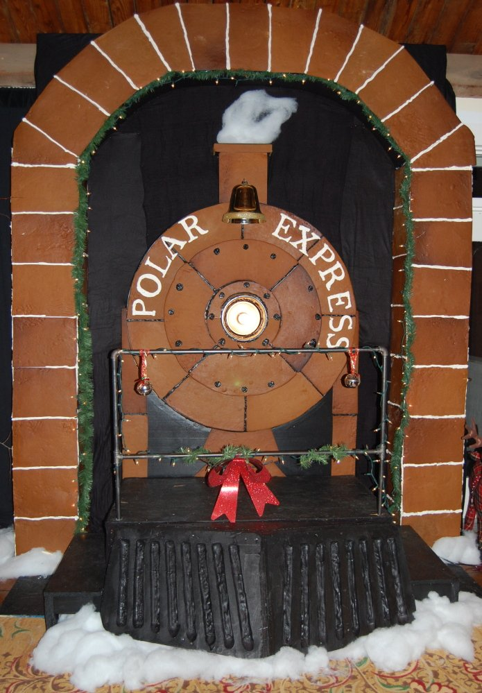 Maine Chefs Create Nearly Life Size Polar Express