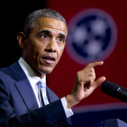 two lines President Barack Obama speaks at Pellissippi State Community College, Friday, Jan. 9, 2015, in Knoxville, Tenn., about new initiatives to help more Americans go to college and get the skills they need to succeed. (AP Photo/Carolyn Kaster)