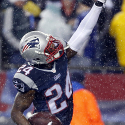 Darrelle Revis, after seven strong years in the NFL, landed with the Patriots and will be in the Super Bowl for the first time.