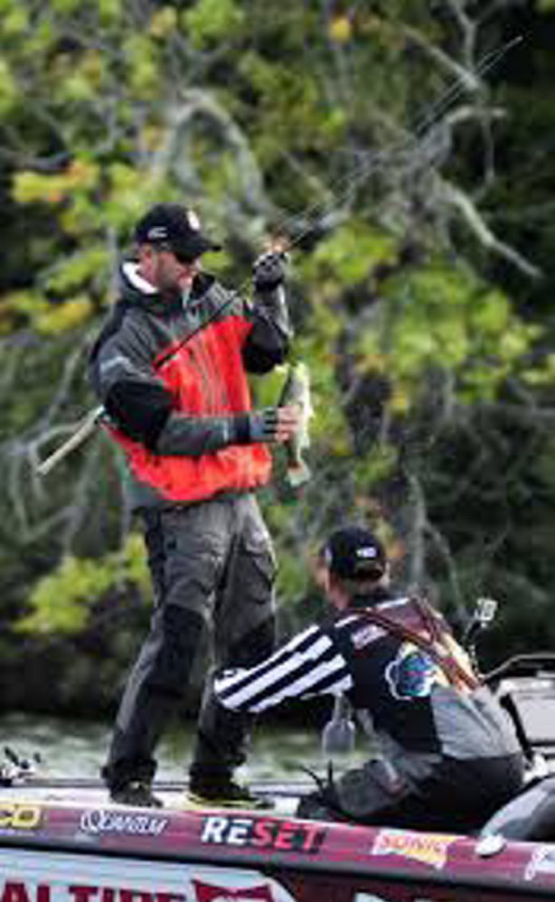Maine bass fishing to be featured on cbs this weekend for Major league fishing world championship
