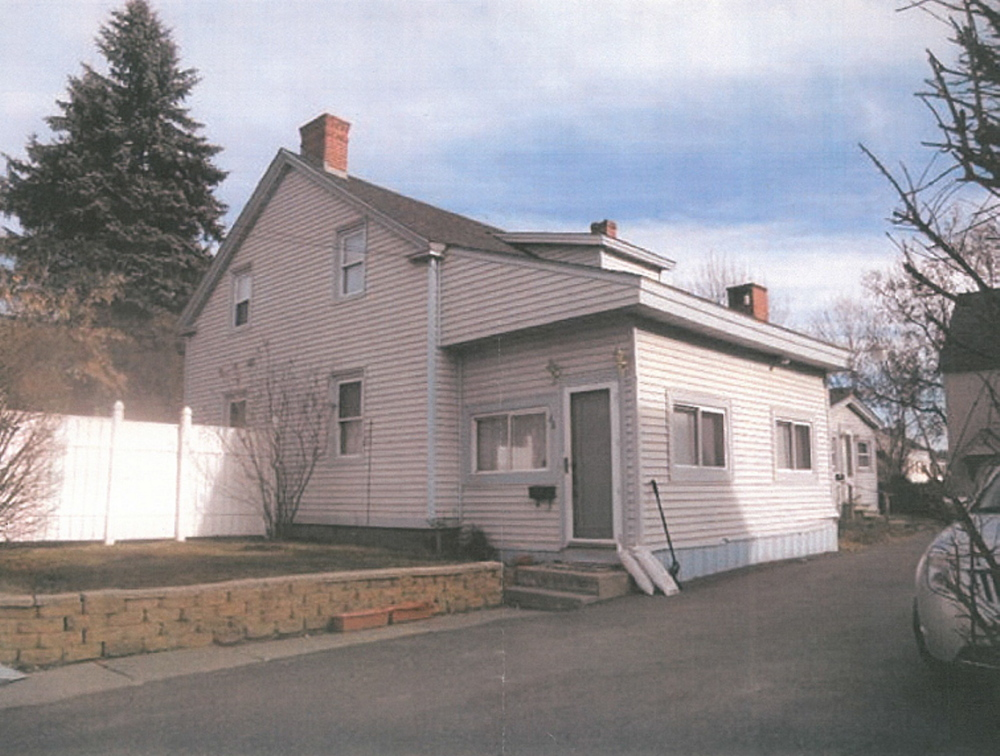 This home on State Street in Augusta was the scene of an accident on Jan. 5, 2009. A man who fell while working on the roof sued the contractor, and jurors in Kennebec County Superior Court this week awarded the victim $475,000 in damages.