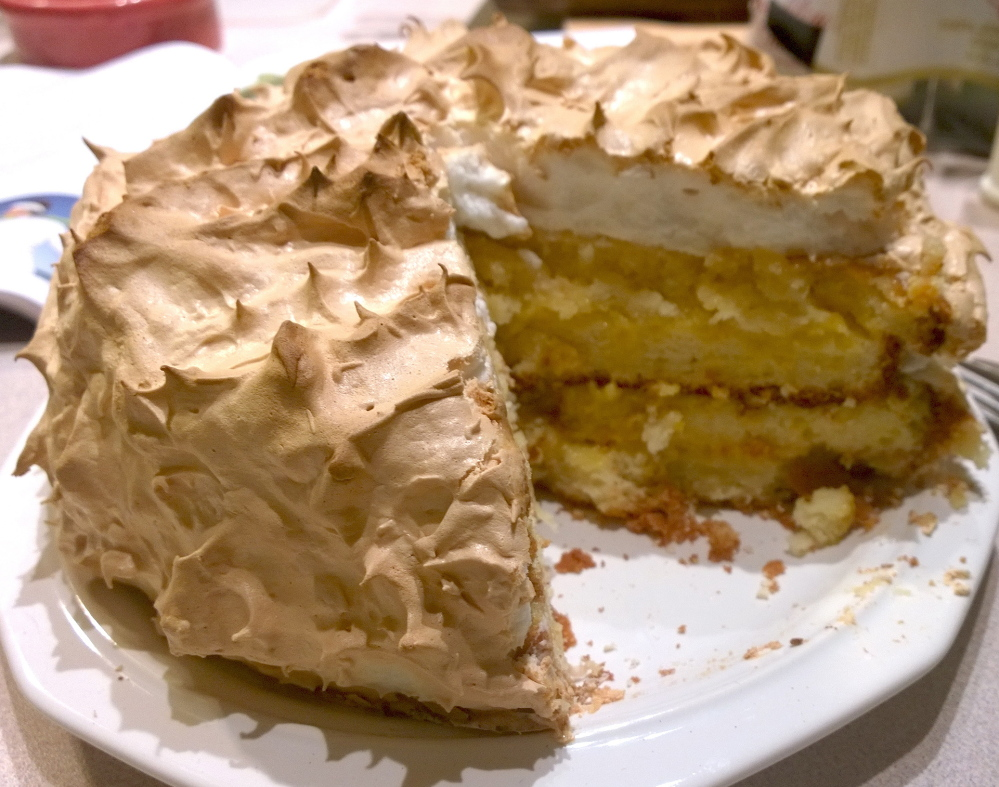 Connecticut Apple Pie Cake