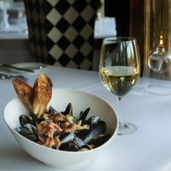 The appetizer of pan-roasted rope-cultured mussels.