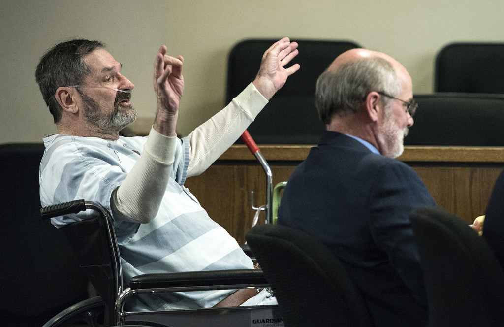 Frazier Glenn Miller, left, appears in court in Olathe, Kansas, where he asked for his right to a speedy trial. (The Associated Press)