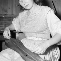 A 1950 photo shows singer Jean Ritchie, who promoted Appalachian folk music and centuries-old ballads.