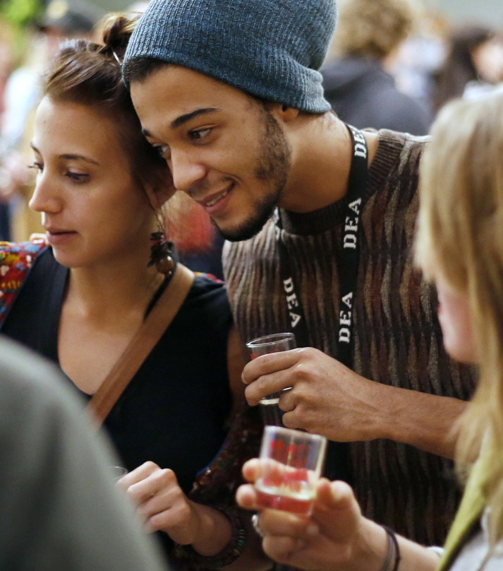 Gabrielle Roos and Brandon Williams at a cider-tasting pop-up event in Portland to generate buzz for Maine Fare 2015, which will take place June 26-27 in Camden. Derek Davis/Staff Photographer