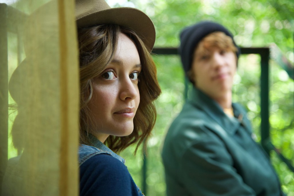 """Olivia Cooke and Thomas Mann in """"Me and Earl and the Dying Girl."""""""