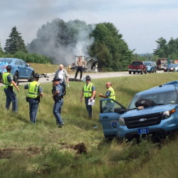 Police and rescue have rushed to the scene of a crash between a Maine State Police cruiser and a tractor-trailer on Interstate 295 in Richmond.