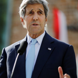 "U.S. Secretary of State John Kerry says ""hard choices"" must be made for a deal with Iran to be made by Tuesday."